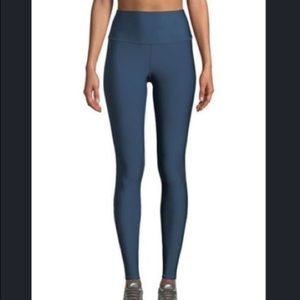 Alo Yoga High-Waist Airlift Legging in Eclipse